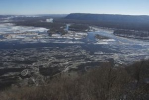 Ice Forming on the Mississippi & Wisconsin Rivers